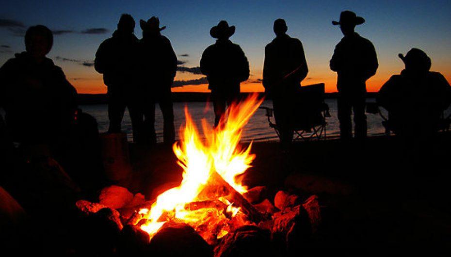 EDBBQ – En Direct du BarBeQ 2015 E01 : Les Joyeux Campeurs de la Baie Martin!